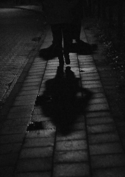 eenzaam, eenzaamheid, depressie, somber, somberheid, donker, gedachten