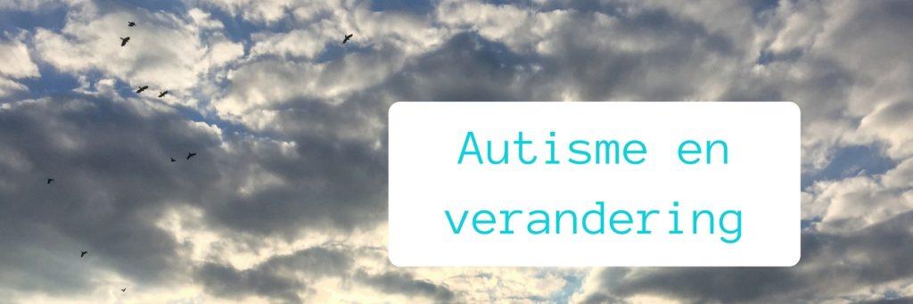 Header autisme en veranderingen met wolken en vogels